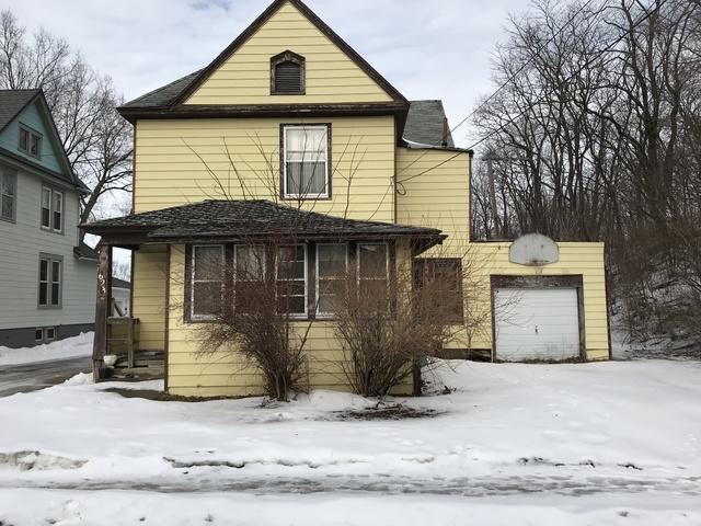 623 W 3rd Street, Dixon, IL 61021 (MLS #10417426) :: Property Consultants Realty