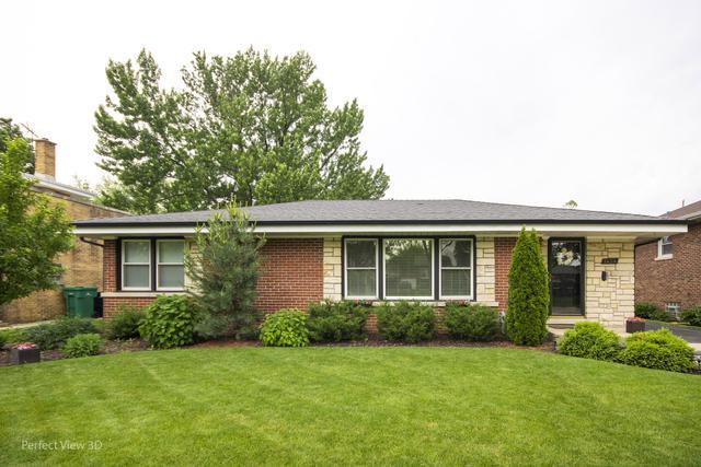1434 Westchester Boulevard, Westchester, IL 60154 (MLS #10417595) :: Angela Walker Homes Real Estate Group