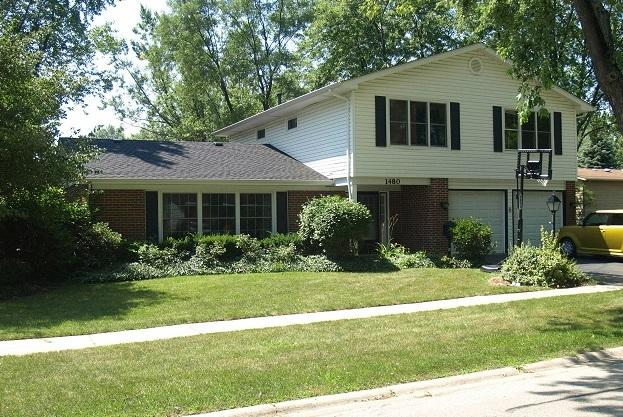 1480 Ramblewood Drive, Hanover Park, IL 60133 (MLS #10417649) :: The Jacobs Group