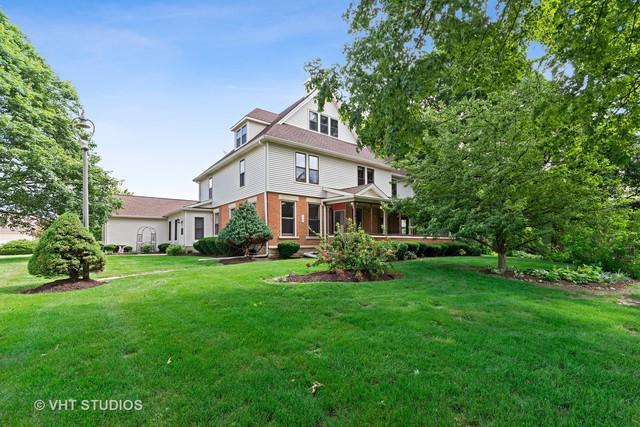 10 Winthrop New Road, Sugar Grove, IL 60554 (MLS #10417737) :: Property Consultants Realty