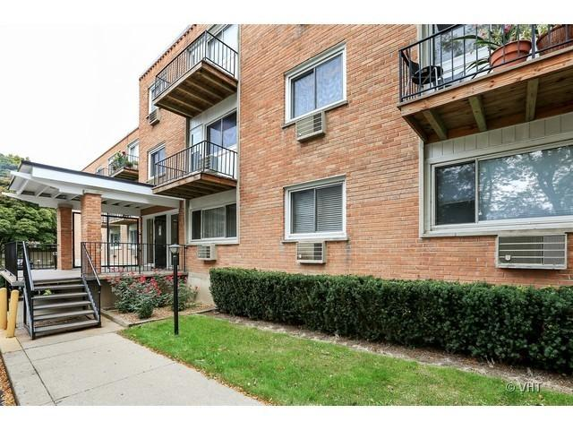 8521 Lotus Avenue #708, Skokie, IL 60077 (MLS #10417791) :: The Dena Furlow Team - Keller Williams Realty