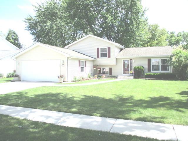 136 Anita Drive, Bourbonnais, IL 60914 (MLS #10418112) :: John Lyons Real Estate
