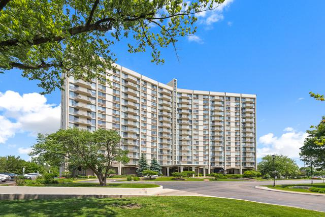 40 N Tower Road 2E, Oak Brook, IL 60523 (MLS #10418166) :: Angela Walker Homes Real Estate Group