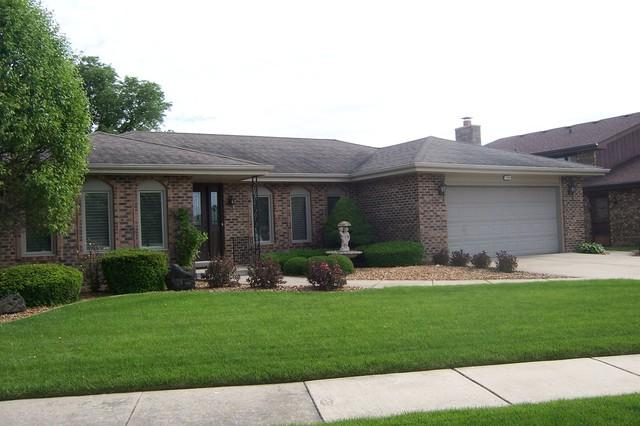 7703 Wheeler Drive, Orland Park, IL 60462 (MLS #10418305) :: The Perotti Group | Compass Real Estate