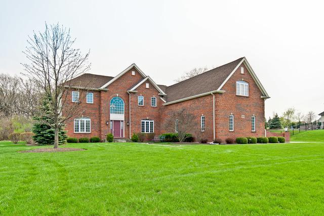 5375 Brompton Lane, Gurnee, IL 60031 (MLS #10418709) :: Angela Walker Homes Real Estate Group