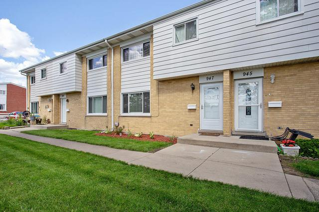 947 N York Street, Elmhurst, IL 60126 (MLS #10418772) :: John Lyons Real Estate