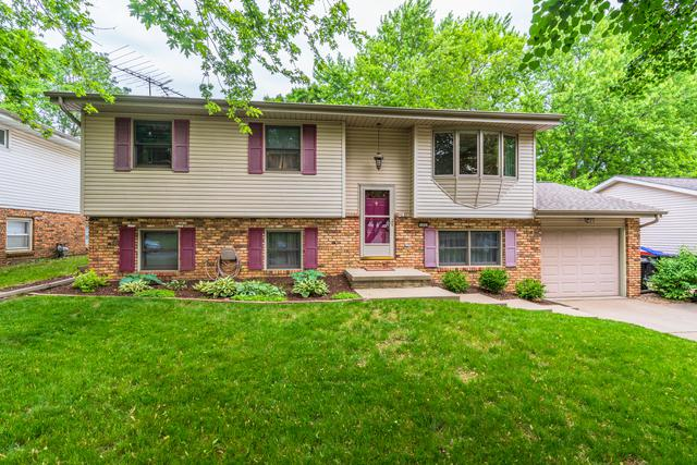105 S Evergreen Lane, Bloomington, IL 61704 (MLS #10418777) :: The Perotti Group | Compass Real Estate