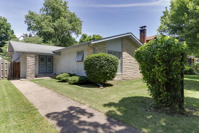 1918 E Jackson Street, Bloomington, IL 61701 (MLS #10418993) :: BNRealty