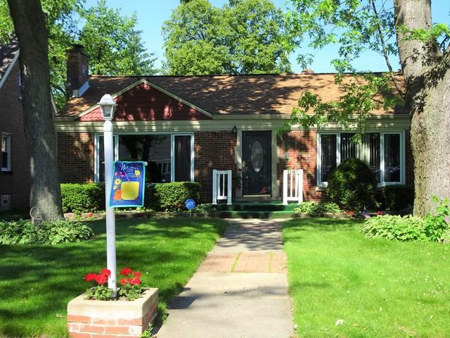 9724 Brandt Avenue, Oak Lawn, IL 60453 (MLS #10419048) :: The Wexler Group at Keller Williams Preferred Realty