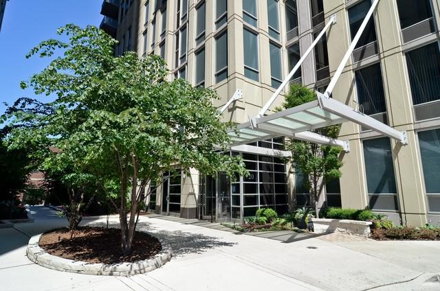 720 N Larrabee Street #1708, Chicago, IL 60654 (MLS #10419279) :: Property Consultants Realty