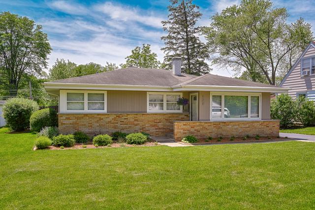 121 W Goebel Drive, Lombard, IL 60148 (MLS #10419777) :: Angela Walker Homes Real Estate Group