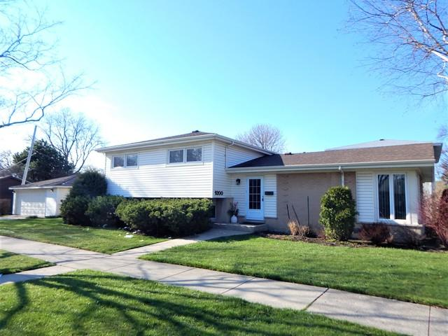 9200 Mango Avenue, Morton Grove, IL 60053 (MLS #10420207) :: Baz Realty Network | Keller Williams Elite