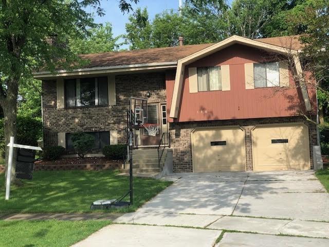 180 Cambridge Lane, Bloomingdale, IL 60108 (MLS #10420210) :: Ani Real Estate