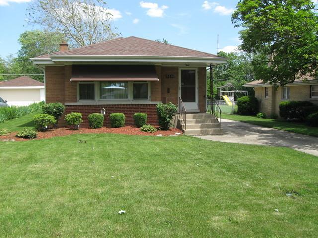 915 S Hillcrest Avenue, Elmhurst, IL 60126 (MLS #10420457) :: Angela Walker Homes Real Estate Group