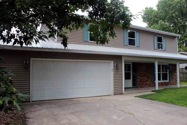 1 Canterbury Court, Champaign, IL 61821 (MLS #10420780) :: Angela Walker Homes Real Estate Group