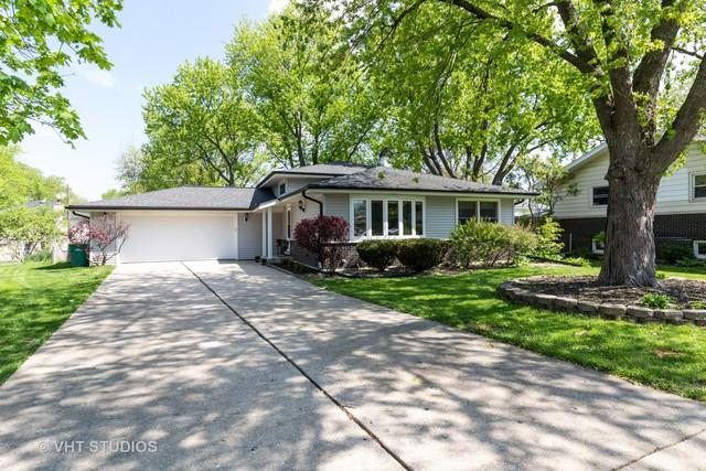 62 W 55th Place, Westmont, IL 60559 (MLS #10420792) :: Angela Walker Homes Real Estate Group