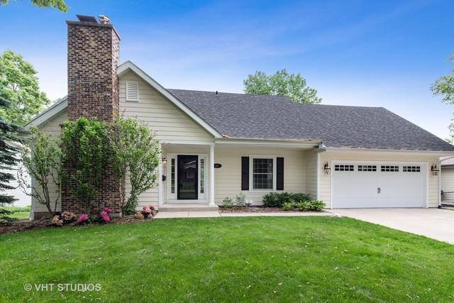 947 Bartlett Terrace, Libertyville, IL 60048 (MLS #10421141) :: Berkshire Hathaway HomeServices Snyder Real Estate