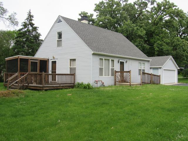 7912 W Woodvale Road, Frankfort, IL 60423 (MLS #10421286) :: Century 21 Affiliated