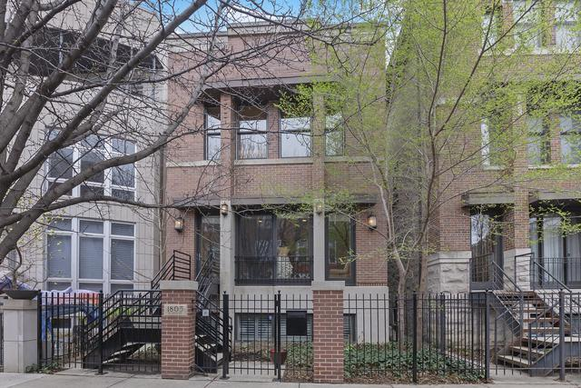 1805 N Hoyne Avenue, Chicago, IL 60647 (MLS #10421354) :: The Perotti Group | Compass Real Estate