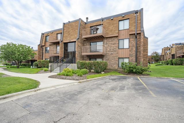 631 Derry Court 1B, Schaumburg, IL 60193 (MLS #10421382) :: John Lyons Real Estate