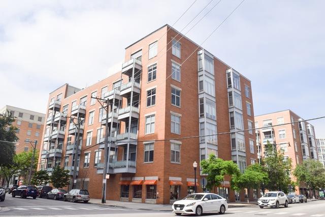 939 W Madison Street #207, Chicago, IL 60607 (MLS #10421532) :: Lewke Partners