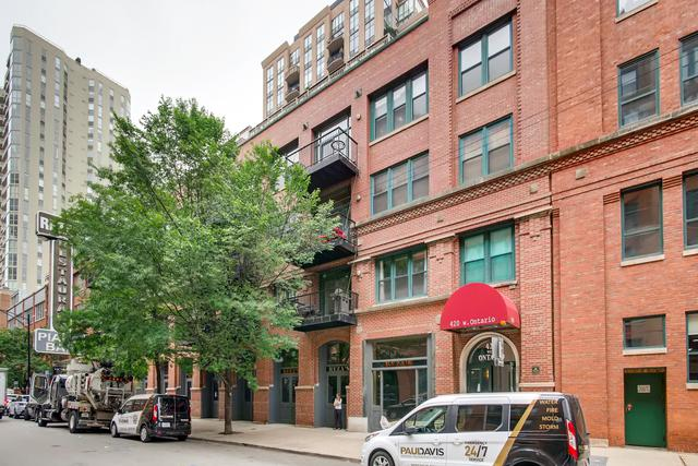 420 W Ontario Street #206, Chicago, IL 60654 (MLS #10422227) :: The Perotti Group | Compass Real Estate