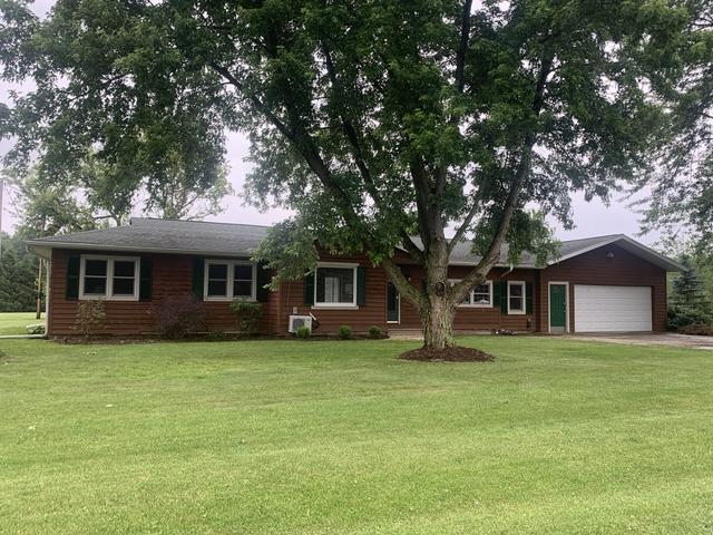 112 Sandy Drive, Cissna Park, IL 60924 (MLS #10422311) :: Ryan Dallas Real Estate