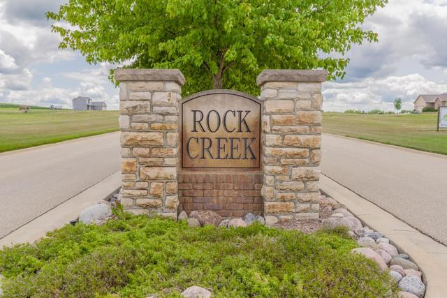 4 Sandstone Avenue, Carlock, IL 61725 (MLS #10422318) :: BN Homes Group