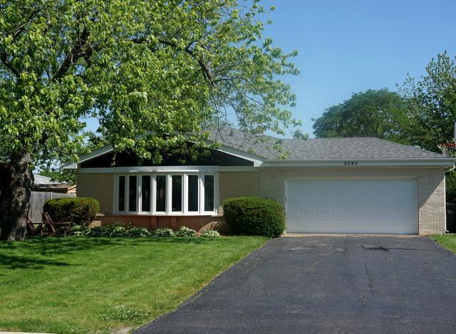 2540 Linda Court, Glenview, IL 60025 (MLS #10422417) :: Ryan Dallas Real Estate