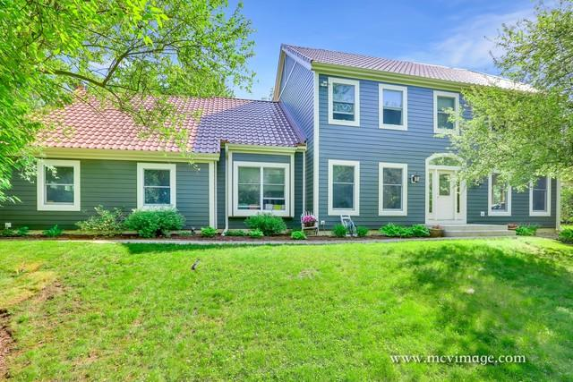 8N664 Edgewood Road, Elgin, IL 60124 (MLS #10422446) :: BNRealty