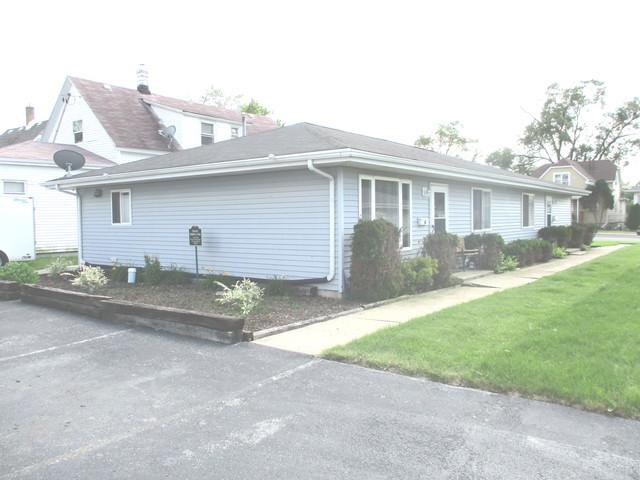 2609 Commercial Avenue, South Chicago Heights, IL 60411 (MLS #10422470) :: Angela Walker Homes Real Estate Group