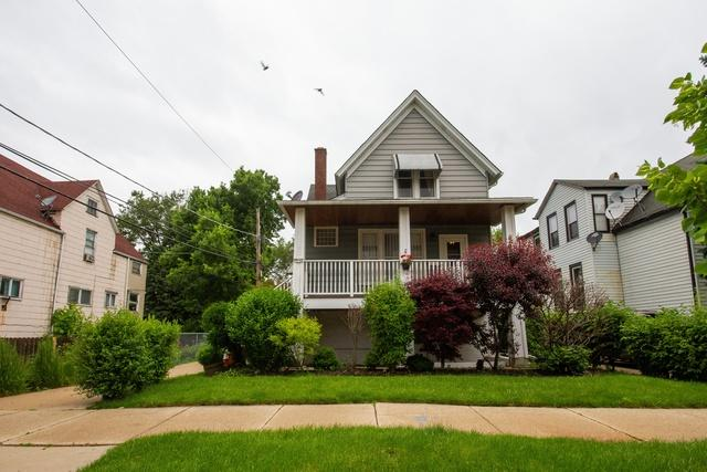 4448 W Sunnyside Avenue, Chicago, IL 60630 (MLS #10422648) :: Berkshire Hathaway HomeServices Snyder Real Estate