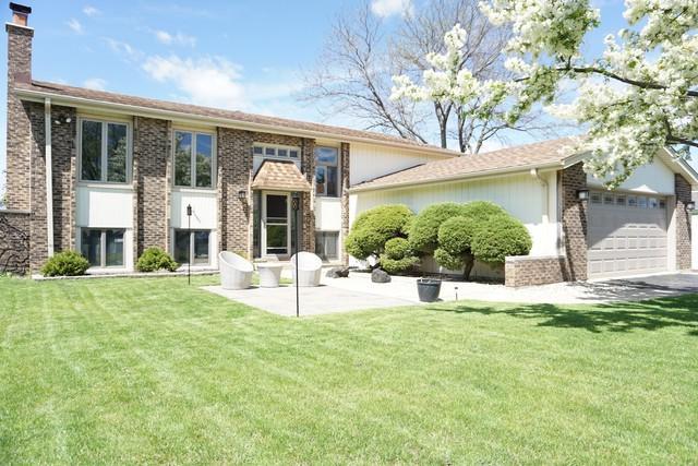 536 N Kenmore Avenue, Addison, IL 60101 (MLS #10423547) :: Angela Walker Homes Real Estate Group