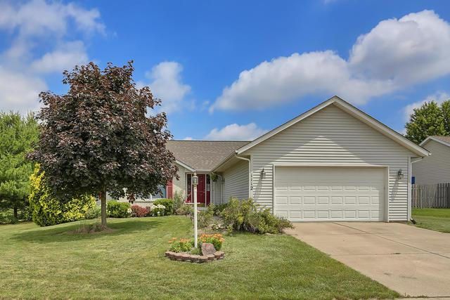 1112 W Ridgewood Drive, Mahomet, IL 61853 (MLS #10423801) :: Ryan Dallas Real Estate