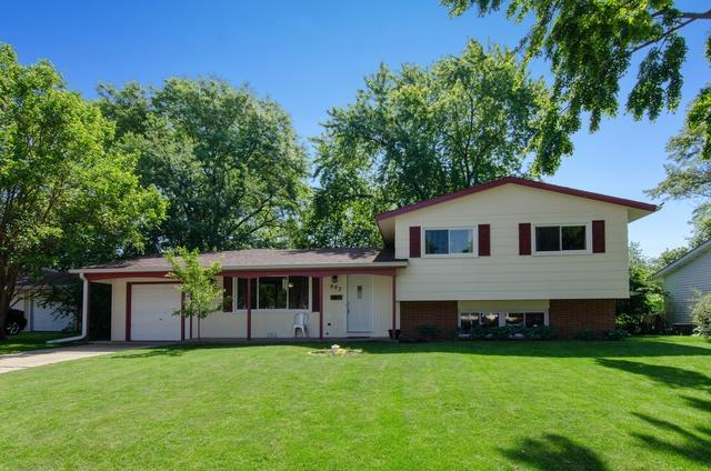 663 Devonshire Lane, Crystal Lake, IL 60014 (MLS #10424128) :: BNRealty