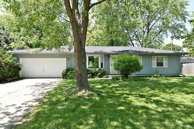 1808 Forrest Boulevard, St. Charles, IL 60174 (MLS #10424311) :: BNRealty