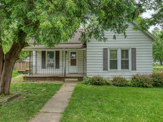 404 E Fifer Street, Colfax, IL 61728 (MLS #10424713) :: Berkshire Hathaway HomeServices Snyder Real Estate