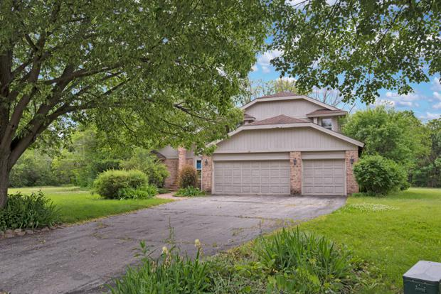 1707 Stoneleigh Court, Lake Forest, IL 60045 (MLS #10425225) :: Touchstone Group