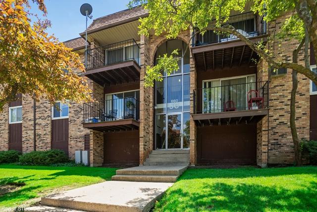 660 Hill Drive #106, Hoffman Estates, IL 60169 (MLS #10425322) :: Angela Walker Homes Real Estate Group