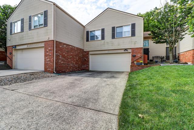 17 Fields East #17, Champaign, IL 61822 (MLS #10425380) :: Ryan Dallas Real Estate