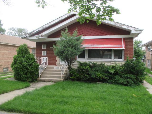 10937 S Emerald Avenue, Chicago, IL 60628 (MLS #10425431) :: Baz Realty Network | Keller Williams Elite