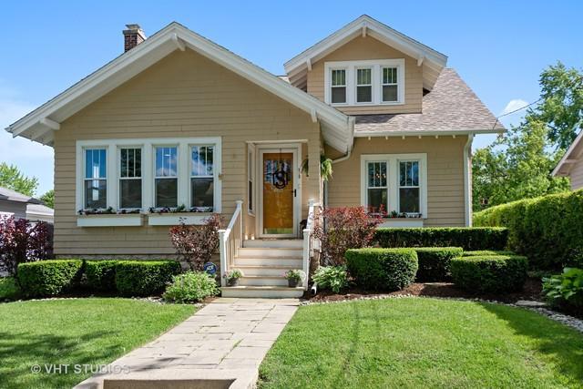 215 Coolidge Avenue, Barrington, IL 60010 (MLS #10425706) :: Ani Real Estate