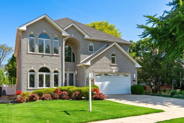 716 Howard Avenue, Des Plaines, IL 60018 (MLS #10426321) :: Ani Real Estate