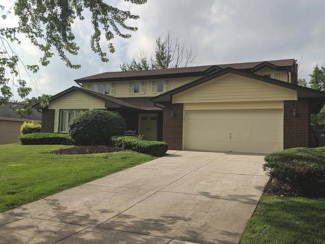 8228 Legend Lane, Orland Park, IL 60462 (MLS #10426381) :: Berkshire Hathaway HomeServices Snyder Real Estate