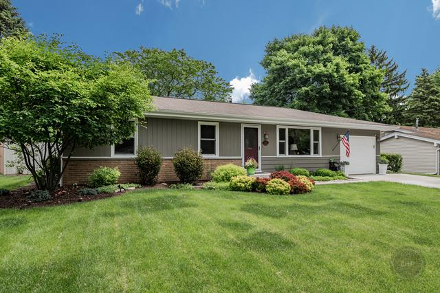 1702 Lucylle Avenue, St. Charles, IL 60174 (MLS #10427131) :: Lewke Partners
