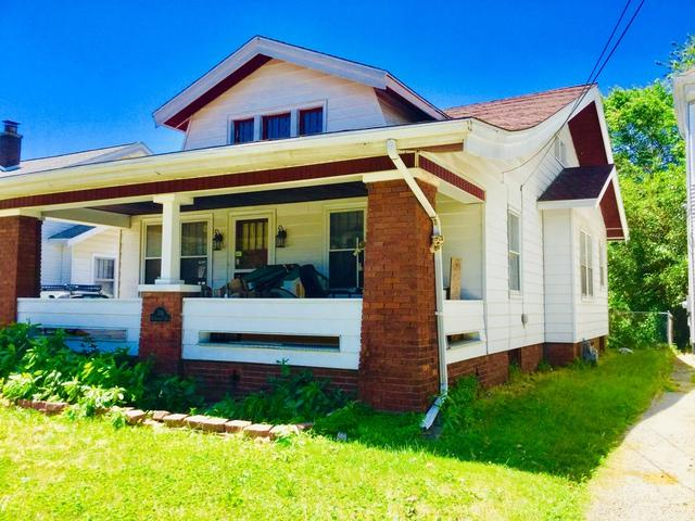 704 N Roosevelt Avenue, Bloomington, IL 61701 (MLS #10428215) :: The Perotti Group | Compass Real Estate