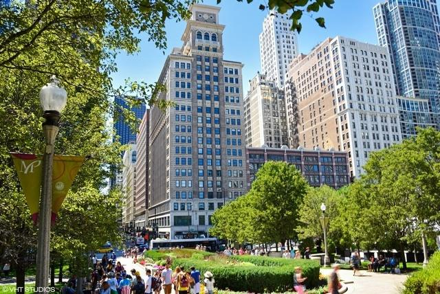 6 N Michigan Avenue #803, Chicago, IL 60602 (MLS #10428250) :: Touchstone Group