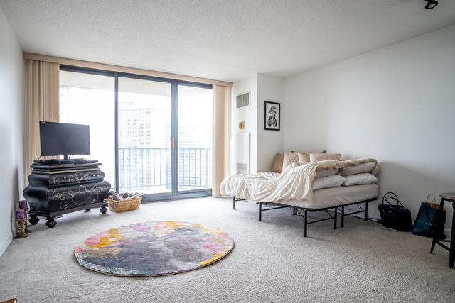 3660 N Lake Shore Drive #1809, Chicago, IL 60613 (MLS #10428368) :: Touchstone Group