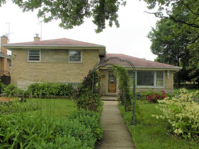 10109 Belden Avenue, Melrose Park, IL 60164 (MLS #10428811) :: The Jacobs Group