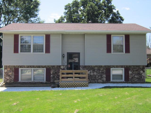 610 Arrowhead, HEYWORTH, IL 61745 (MLS #10430111) :: BNRealty